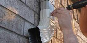 Instalação de rufos e calhas